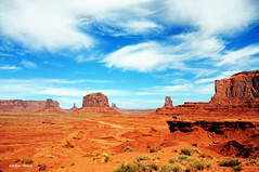Monument Valley 1 (didier95) Tags: arizona montagne ciel monumentvalley nuages paysage etatsunis mfcc thegalaxy ameriquedelouest