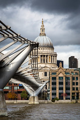 London Millennium Footbridge, London (s_p_o_c) Tags: bridge architecture clouds footbridge architect milleniumbridge bro saintpaulscathedral arkitektur ovearup anthonycaro thethames fosterpartners londonmilleniumfootbridge arkitekt gngbro