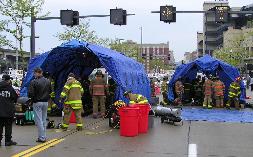 Reeves_Decon_Tents_4 (DHS Systems LLC) Tags shower tents shelter hazmat reeves decon decontamination cbrne & The Worldu0027s Best Photos of decon and tents - Flickr Hive Mind