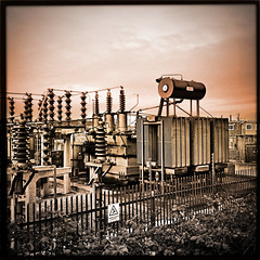 Substation #365/29 (AlanP) Tags: blackeyessupergrain iphone4s simplyhdr janelens