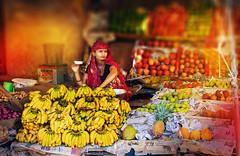 2015_10_11_India Jaipur (29b) (tholmb) Tags: tholmb 2015 india girl woman selling fruit banana evening