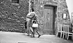 damen  siena (josefcramer.com) Tags: europe summer italy italia italien ventimiglia lucca pesaro gallipoli salerno murlo siena urban people street strase menschen leica m9 m 35mm summicron asph sommerurlaub josef cramer alassio menton strasenfotografie streetphotography