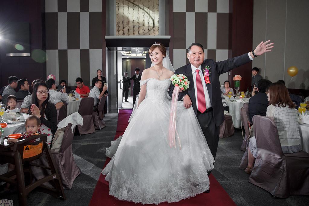 新竹國賓大飯店婚攝 爸爸牽進場