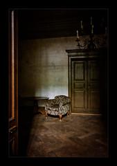 The Old Chair (Vestibule) - Villa Claudia (macplatti) Tags: old vintage on10 chair vestibule oldhouse lostplace feldkirch vorarlberg austria aut