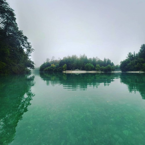 On the conference of Soca and Tolminka in #tolmin, also a venue place for music festivals #metaldays #punkrockholiday and #overjamfestival. #morning #fog #mist #water #reflection #tranquillity #calmness #kayaking #kayak #paddling #soca #isonzo #alpine #ri