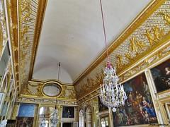 Château de Versailles - Salon de l'Oeil-de-bœuf (JeanLemieux91) Tags: château versailles castle castillo îledefrance france august août agosto summer été verano chandelier moulures moldings molduras doré dorado golden
