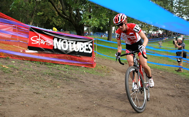 Lea Davison rounds a hairpin before the Stan's NoTubes hurdles