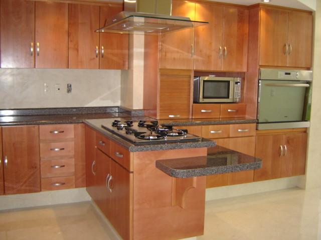 Modelos de cocinas integrales elaborado con materiales de for Componentes de una cocina integral
