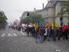 AVENUE DES GOBELINS (marsupilami92) Tags: paris france frankreich ledefrance capitale 75 manifestation sud grve syndicat solidaires 13emearrondissement sudposte