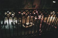(Chiasme) Tags: auto street italy film car night italia fuji fuzzy bokeh superia balcony blurred outoffocus railing palermo notte balcone 1600iso sfocato pellicola ringhiera piazzaflorio chiasme