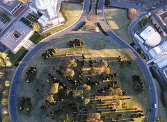 ROUND TO FLORIADE (jgspics) Tags: sunrise spring shadows roundabout australia canberra act hotairballoonflight