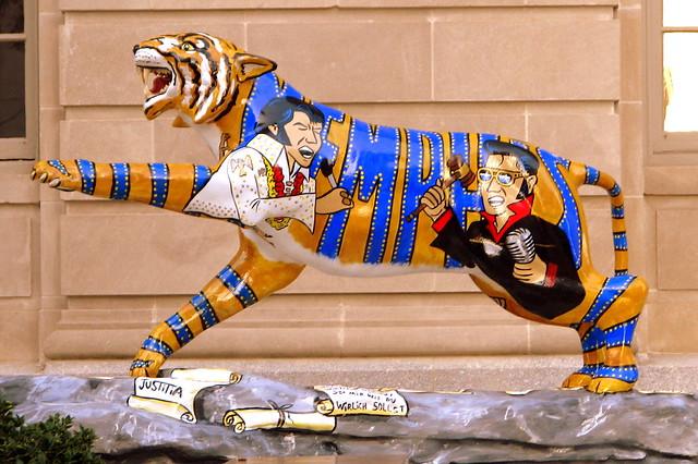 Elvis Tiger - Downtown Memphis