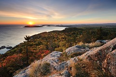 Autumn sunrise at Sugarloaf Mountain Marquette, Michigan (Michigan Nut) Tags: autumn usa mountain fall nature colors leaves sunrise landscape photography midwest michigan scenic upperpeninsula lakesuperior sugarloafmountain johnmccormick marquettemichigan michigannutphotography nikon1635mmf4gedafsvrwideanglezoomlens