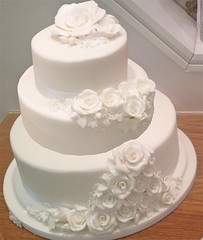 White Sugar Roses Wedding Cake