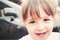 Sandra de nuevo (Miguel ngel 13) Tags: portrait people blanco smile face look persona see nikon colours child gente retrato cara nia mirar felicidad boca nio risa ver diente dientes bambina reir sonreir clavealta luznatural nikond90