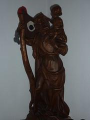 Christophorus7 (Zyklooop) Tags: jesus cyclops schnitzerei zyklop christophorus heiligenfigur