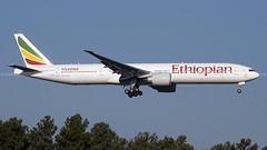 ET-ASL | ETH | B77W | KIAD (Jazon C. - AHKGAP) Tags: kiad iad etasl eth et ethiopian boeing b777 b77w 77w landing