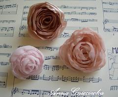 Kwiat z tkaniny / fabric flower (annagnieciecka) Tags: kwiat rkodzieo flower handmade