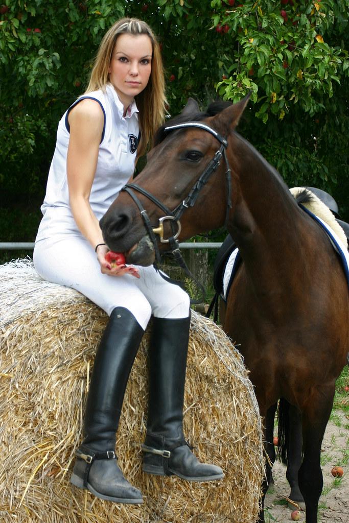 hot equestrian girls pics