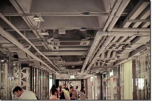 Exposed ceiling corridor.  - - - - - - - - - - - - - - - - - - #ceiling #corridor #design #interiør #mall #siamcenter #bangkok #architecturephotography