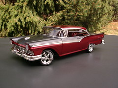 1957 Ford Fairlane 500 (Bogger44) Tags: ford model hobby 1957 pointandshoot kit 500 custom fairlane 125 amt