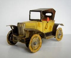 N°29 Citroen 1924 (gueguette80 ... non voyant pour une durée indéte) Tags: old cars station citroen shell cardboard carton service essence autos plein sixties 1924 tacots anciennes n°29