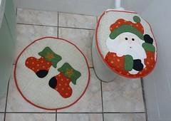P1020438 (Monne Arts) Tags: natal de bonito artesanato capa noel lindo kit festa tapete decorao jogo vaso banheiro lavabo mamae papai conjunto tecido colorido algodo enfeite proteo festivo natalino