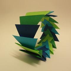 bracelet, inside out (Dasssa) Tags: paper origami bracelet tant dasssa morular
