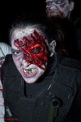 ms scary zombie. (Patrick Mayon) Tags: red portrait england people london eye night lost rouge scary blood zombie teeth bad injury oeil londres horror angleterre bleeding sang nuit carries dents 2012 mauvaise roted worldzombieday