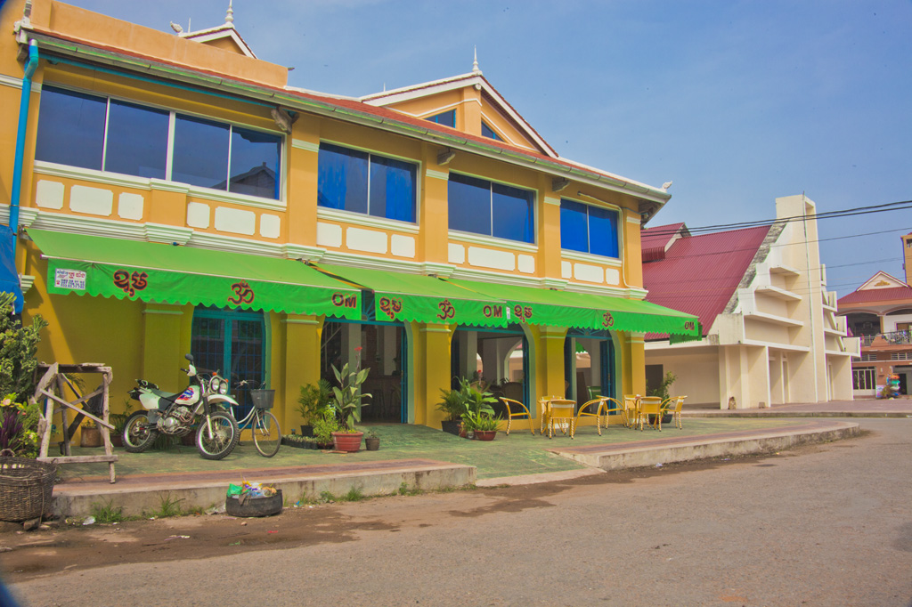 OM house Kampot Cambodia and the old market