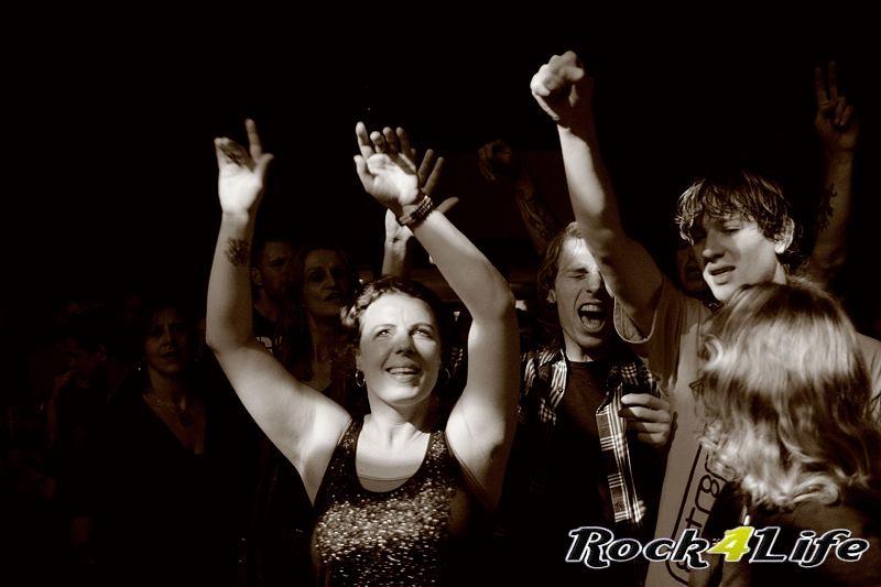 Heroes of Rock  Rock4Life Oudejaarsparty 2012 (24)