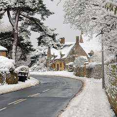 Cotswolds (Andrew Lockie) Tags: uk winter england house snow stone day fuji traditional cotswolds built chipping campden xe1 westington