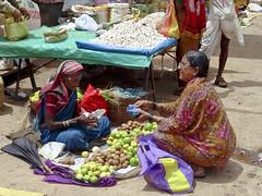 Marche de Badami market (geolis06) Tags: india man women village market femme karnataka marche homme inde badami geolis06