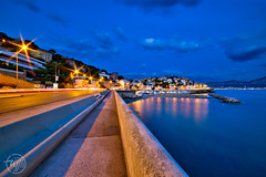The world's longest bench... (Fujjii photographie) Tags: marseille corniche cornichekennedy theworldslongestbench mer mditerrane om provence cassis france laciotat heurebleue bluehour beach longexposure crpuscule nuit night catalans prado fujjii beautiful