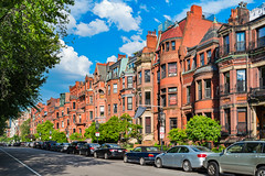 Top Boston Neighborhoods To Visit (lastimnvacation) Tags: townhouse largegroupofobjects downtowndistrict backbayboston brownstone brick rowhouse stationary inarow bostonmassachusetts massachusetts usa street avenue parkinglot car streetparking commonwealthavenue