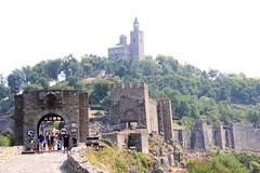 Veliko Tarnovo (Mysterious unknown) Tags: velikotarnovo bulgariancity tsarevets forteresse fortress church glise bulgaria bulgarie mdival middleage