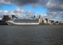 MS Caribbean Princess & Liverpool (.annajane) Tags: cruiseship cruiseliner caribbeanprincess ship liverpool mersey rivermersey uk england river liner princesscruises water liverbuilding portofliverpoolbuilding