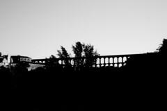 ... Retorno a Segovia ... (Lanpernas 4.0) Tags: acueducto segovia roma ingenieria 2000años arquería imperioromano contraluz atardecer sunset puestadelsol