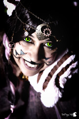 Stregatto Steampunk (TsukiUsagi Photo) Tags: valentina baldin ilaria barilla tsuki usagi photo cosplay steampunk stregatto cheshire cat alice wonderland paese meraviglie rosa marrone sorriso smile pink brown green verde foglie albero rami leaves tree branches gatto paws