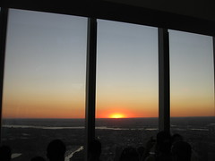 IMG_6833 (gundust) Tags: nyc ny usa september 2016 newyork newyorkcity manhattan architecture wtc worldtradecenter 1wtc oneworldtradecenter som skidmoreowingsmerrill davidchilds oneworldobservatory spire skyscraper stel glass observationdeck downtown sunset