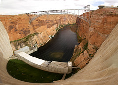 Glen Canyon panorama (BDFri2012) Tags: glencanyondam glencanyonbridge glencanyon carlhaydenvisitorcenter glencanyonnationalrecreationarea nationalrecreationarea coloradoriver river canyon dam raft rockformation gorge arizona utah bridge lakepowell water landscape desert desertsouthwest americansouthwest