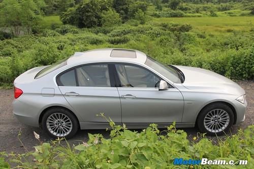2012-BMW-320d-F30-21
