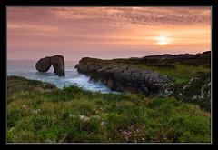 El regreso (Jespil) Tags: espaa sun seascape sol clouds marina landscape dawn spain rocks asturias paisaje amanecer nubes llanes rocas canoneos7d flickrstruereflection2 flickrstruereflectionlevel1 castrolasgaviotas