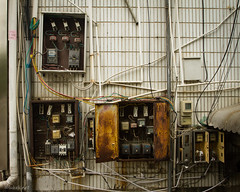Electricity Solution (Luke Hasnotenough) Tags: china canon river li guilin 7d