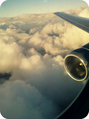 Desde lo Alto (Ariane Madriz) Tags: sky color luz azul airplane airport foto venezuela air vertigo paisaje viento vision cielo alas nubes motor boeing alto avion maracaibo photograpy ventanilla extasis jt8d