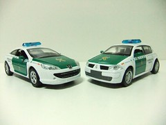 PEUGEOT 407 COUPE (2005) & RENAULT MEGANE (2002) / GUARDIA CIVIL DE TRAFICO  - NEWRAY (RMJ68) Tags: cars toy police renault civil 407 peugeot coches policia guardia juguete 132 megane trafico diecast newray