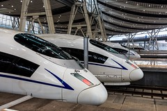 Speeeed! (Maria_Globetrotter) Tags: siemens trains velaro