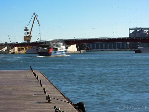 Port de Tarragona - Salida de una barca de pesca