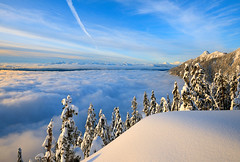 Howe sweet the Sound (Christopher J. Morley) Tags: winter cloud mountain snow canada hat fog snowshoe nikon bc hike mount harvey sound layer below tetrahedron howe wanderung tantalus d600