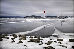 Le phare dans la glace (Guylaine Begin) Tags: park winter lighthouse lake snow canada cold reflection ice nature landscape nationalpark h